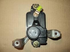 Электропривод замка двери,задний правый,МВ669754