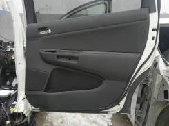 Обшивка двери. Toyota Wish, ANE11, ANE11W, ANE10, ANE10G
