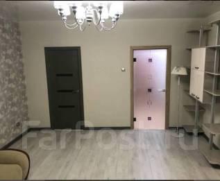 1-комнатная, улица Южно-Уральская 10а. Столетие, агентство, 50 кв.м. Комната