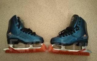Коньки. размер: 37, хоккейные коньки