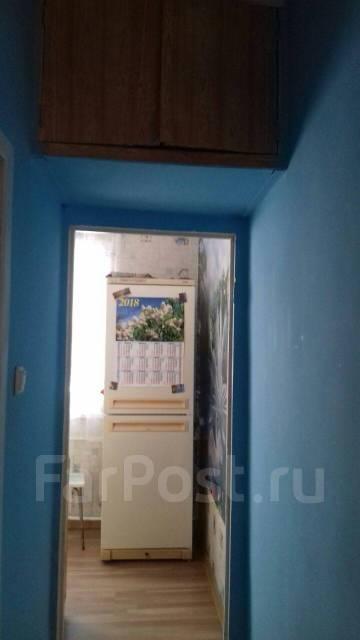 1-комнатная, улица Попова 35. Врд, частное лицо, 30кв.м. Прихожая