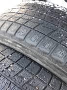 Bridgestone Blizzak Revo1. Зимние, без шипов, 2005 год, износ: 50%, 2 шт