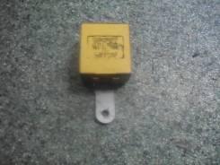 Блок управления стеклоочистителей Toyota Carib AE95 85940-12030