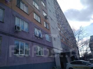 Гостинка, улица Надибаидзе 34. Чуркин, агентство, 18 кв.м. Дом снаружи