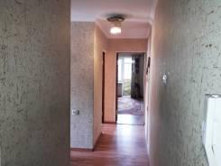 3-комнатная, улица Ленинградская 53. 24 школа, центр, УВАКУ, агентство, 51 кв.м. Прихожая