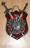 """Винтажный """"Трофей с мечами на рыцарском гербе"""". Олово, дерево"""