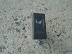 Кнопка включения обогрева. Nissan Liberty, RM12