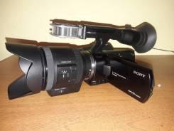 Sony NEX-VG30EH. 20 и более Мп, с объективом