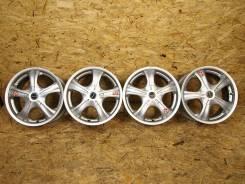 Литые диски Bridgestone Vaggio R16 в Москве. 7.0x16, 5x100.00, 5x114.30, ET52