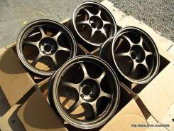 Black Racing r17 4*100 j7,5 et 33 с резиной 205/40 Toyo. 7.5x17 4x98.00, 4x100.00 ET33 ЦО 66,1 мм.