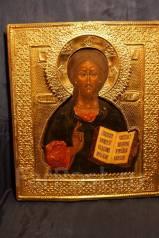 Икона Спасителя высокого письма в позолоченном чеканном окладе. XIХ в. Оригинал