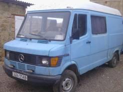 Mercedes-Benz. Продам микроавтобус Мерседес 208д, 2 300 куб. см., 5 мест