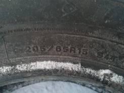 Dunlop SP Winter ICE, 205/65 R15. Зимние, шипованные, износ: 5%, 4 шт. Под заказ
