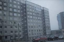 3-комнатная, улица Ладыгина 15. 64, 71 микрорайоны, частное лицо, 69кв.м. Дом снаружи