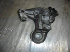 Кронштейн крепления переднего стабилизатора правый VAG Volkswagen Passat B5