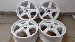 OZ Racing. 7.5x18, 5x114.30, ET38, ЦО 73,0 мм.