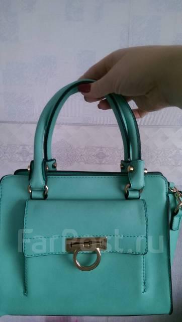 6e1006b5df56 Продам женскую сумку - Аксессуары и бижутерия в Находке