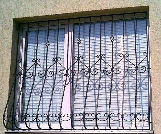 Лестницы. двери. леера. балконы. Бельевые выброски . входные группы.