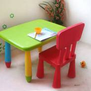 Приму в дар, не большой кухонный столик и стул.