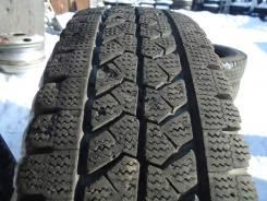 Bridgestone Blizzak W979. Зимние, без шипов, 2015 год, износ: 10%, 2 шт
