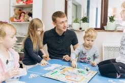 """Детский клуб """"Бэйбл"""". Развитие интеллекта детей в игровой форме"""