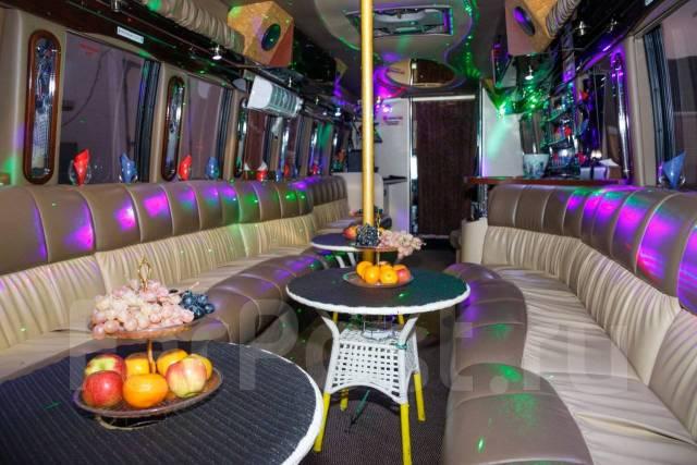 Пожалуй, лучшие Лимузины Party Bus в городе!