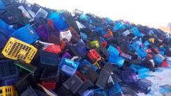 Отдам бесплатно пластмассовые ящики. Много!
