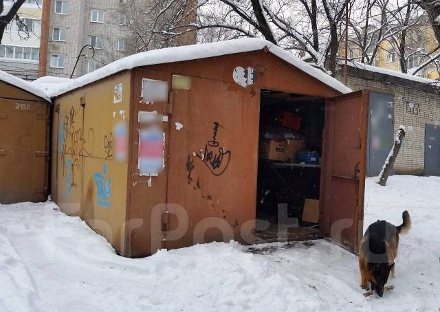 Металлические гаражи во дворе дома авито гаражи рыбинск купить