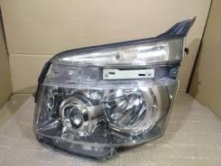 Фара. Toyota Voxy, ZRR70