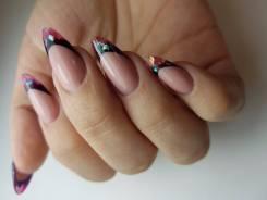 Профессиональное обучение наращиванию ногтей.