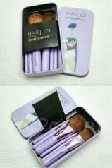 Кисти для макияжа.