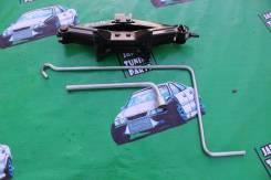 Домкрат Subaru Legacy BP5. Subaru: Pleo, R2, Impreza, XV, R1, Domingo, Sambar, Sambar Electric, Alcyone, Forester, Rex, Leone, Legacy, Exiga, Vivio, J...