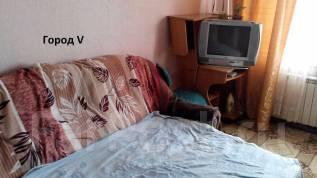 Гостинка, улица Добровольского 11. Тихая, агентство, 18 кв.м. Комната