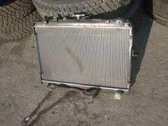 Радиатор охлаждения двигателя. Nissan Vanette Mazda Bongo Двигатель F8