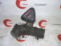 Патрубок воздухозаборника. Toyota Corona, ST210 Двигатель 3SFSE