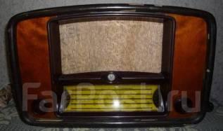 Радиоприёмник ламповый Балтика ВЭФ 1953 года . Рабочий. Оригинал