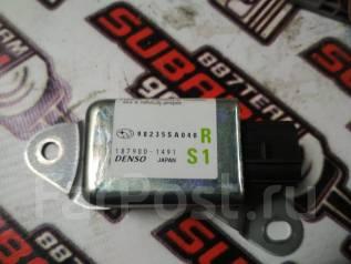 Датчик airbag. Subaru Forester, SG5 Двигатели: EJ202, EJ203, EJ205