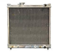 Радиатор охлаждения двигателя. Suzuki Escudo, AT01W