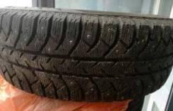 Bridgestone Ice Cruiser. Зимние, шипованные, износ: 20%, 2 шт