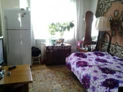 2-комнатная, улица Маковского 89. Седанка, агентство, 50 кв.м. Комната
