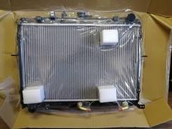 Радиатор охлаждения двигателя. Mazda Bongo, SE88T Двигатели: F8, F8E