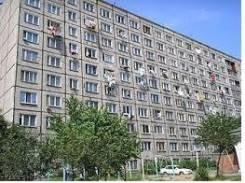 Гостинка, улица Горького 100. Центр, частное лицо, 17 кв.м. Дом снаружи