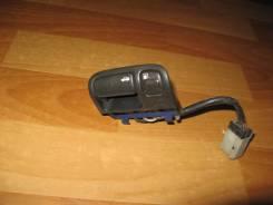 Кнопка открывания багажника. Nissan Cefiro, A32 Двигатель VQ20DE