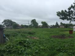 Продам земельный участок под строительство дома. 1 000кв.м., собственность, электричество, от агентства недвижимости (посредник). Фото участка