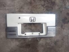 Рамка для крепления номера. Honda Mobilio Spike, GK1, GK2 Двигатель L15A