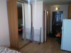 Гостинка, улица Окатовая 16. Чуркин, частное лицо, 18 кв.м. Комната