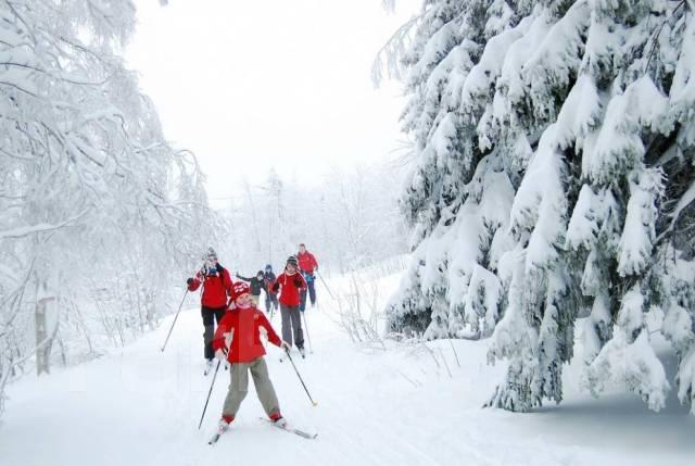 Прогулка беговые лыжи, заброшенный детский лагерь, тайная комната.