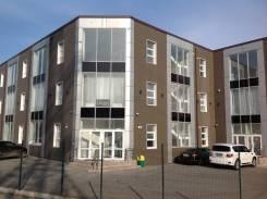 В новом АТЦ собственник сдает 600м2 офисных помещений !. 600 кв.м., улица Сельская 5а, р-н Баляева
