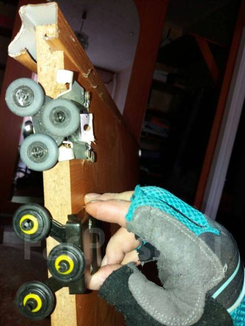 Мастер Дом: ремонт сливного бочка, устранение засора, навес гардин, полок.