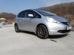 Honda Fit. автомат, передний, 1.3 (100 л.с.), бензин, 83 000 тыс. км